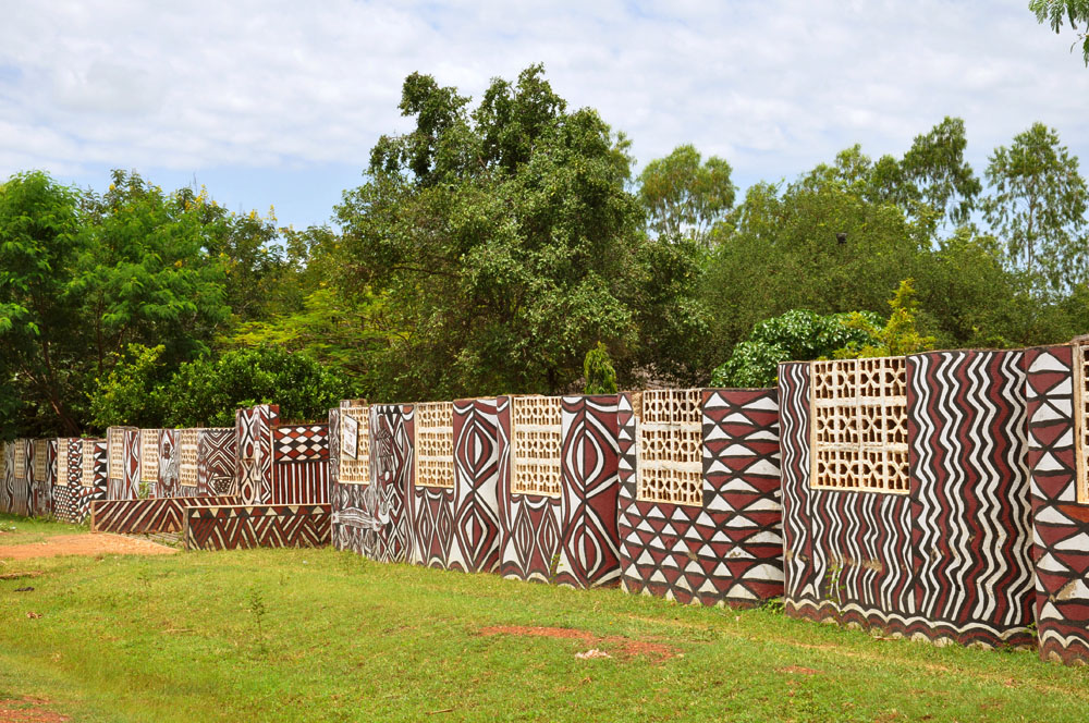 Ghana africa vernacular architecture for Wall pictures